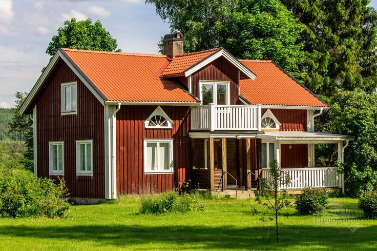 Beautiful house in Sweden. Love the way they build houses. If I could move I would do it!