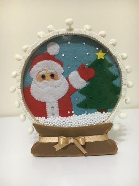 Globo de Neve Pai Natal Material: bastidor e feltro Dimensão: 15 cm Preço: 10€/unid