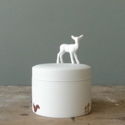 Porcelain Box Deer via accessorizeyourhome.nlBeschilderd Met, To The, The Correct, Het Duits, Sake Boxes, Het Doosjes, Porcelain Boxes, Boxes Deer, And The