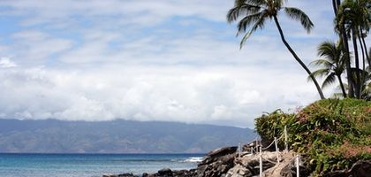 When Is the Least Expensive Time to Fly to Hawaii?   eHow