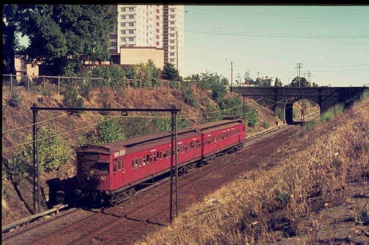 Red Rattler on the St Kilda line