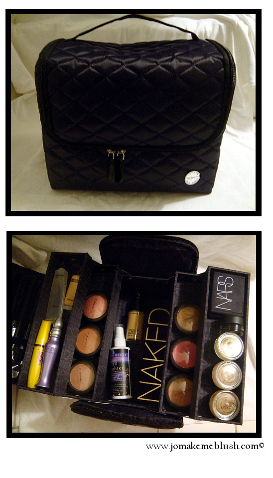 jomakemeblushdotcom: Travel Makeup Bag