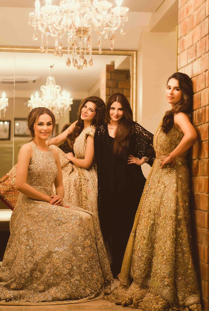 For queries, orders and appointments please email us on info@tenadurrani.com or call/whatsapp us on 0321 232 4600.