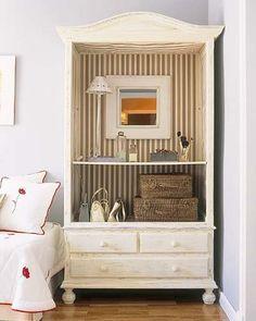 Convierte el armario en una bonita alacena para lucir la vajilla