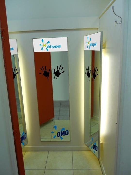 Fitting Room Mirror Decals For Omo Advertising Design