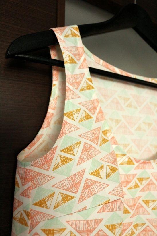 Arizona Tiny Pocket Tank | Textillia | Online sewing community and database