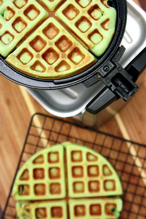 Pandan Waffles (Banh Kep La Dua) - http://www.theravenouscouple.com/2011/01/pandan-waffles-banh-kep-la-dua.html