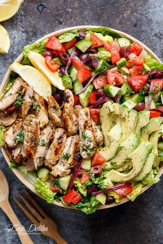 Salade de poulet méditerranéenne