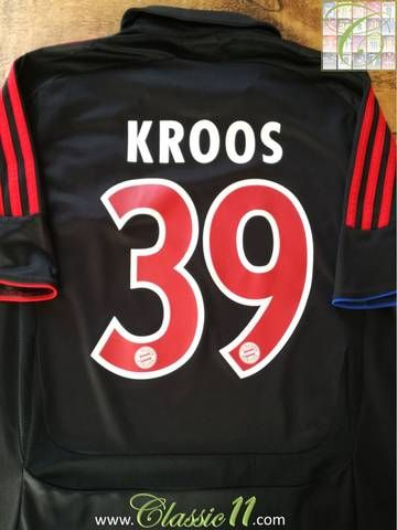 Official Adidas Bayern Munich European football shirt from the 2007/08 season. Complete with Kroos #39 on the back of the shirt.