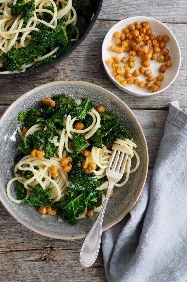 Deilig pasta med grønnkål og ovnsbakte kikerter