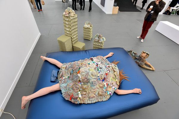 Frieze Art Fair at Randalls Island Park Offers a Bit of Everything - NYTimes.com