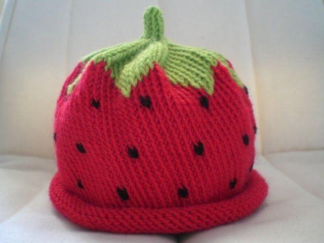 Ho provato il mio cappello a forma di fragola con la lana merino... mi piace molto, anche se per la stagione e per il soggetto prettamente ...