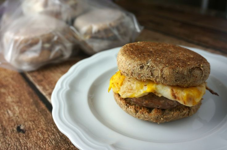 Make a batch of these simple healthy breakfast sandwiches on Sunday and enjoy a hearty, warm breakfast all week long!