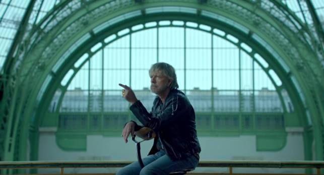 Renaud annonce un concert à Londres http://xfru.it/wfayvK