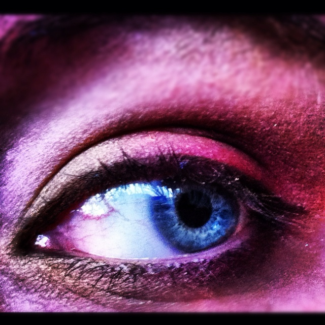 This is my eye. With some purdy makeup!