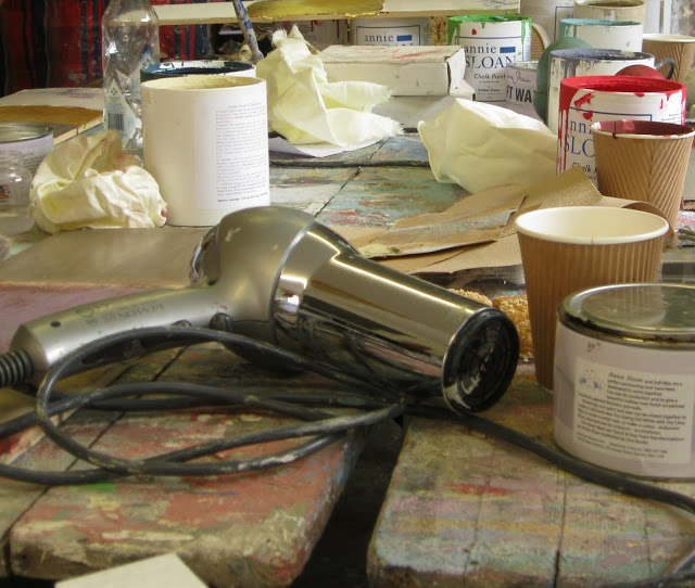 Modern Country Style Blog: How To Crackle Your Annie Sloan Paint AND Make  Coloured Waxes
