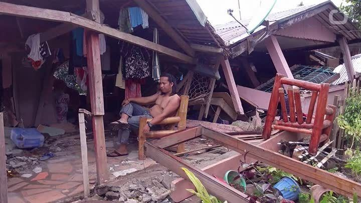 According to the U.S. Geological Survey, the Philippines has been struck by an earthquake. Officials said the natural disaster has killed at least one and has damaged several houses and other buildings.The center of the strong earthquake first hit at a magnitude of 6.9 near the city of Tacloban but…