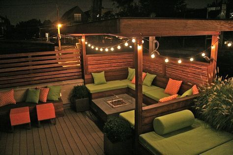 Contemporary Deck with Built-in outdoor bed, Raised beds, Fence, Trellis, Built-in bench seating, Exterior accent lighting