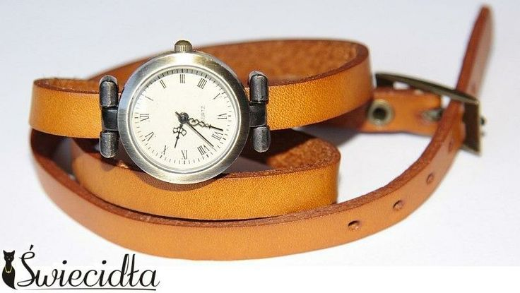 Zegarek na skórzanej bransolecie gładki