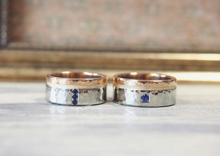 Wedding rings with sapphire.