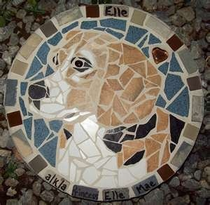 Mosaic Stepping Stones DIY