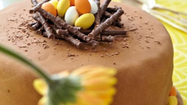 Påskekage med påskeæg | Opskrift til påskefrokost