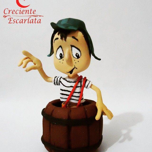 Un chavo del ocho con su barril, trabajo de año 2014. #chespirito  #handmade  #sculp  #chavodel8  #modelado  #robertogómezbolaños  #arte #CrecienteEscarlata  #mejorar #empeño #dedicación #pasion