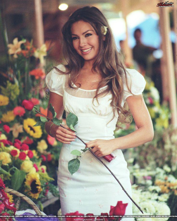 1999 Rosalinda, Thalia