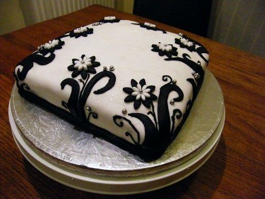 Elegant Birthday Cake Decorating Ideas : Elegant Black and White Party Decorating Ideas