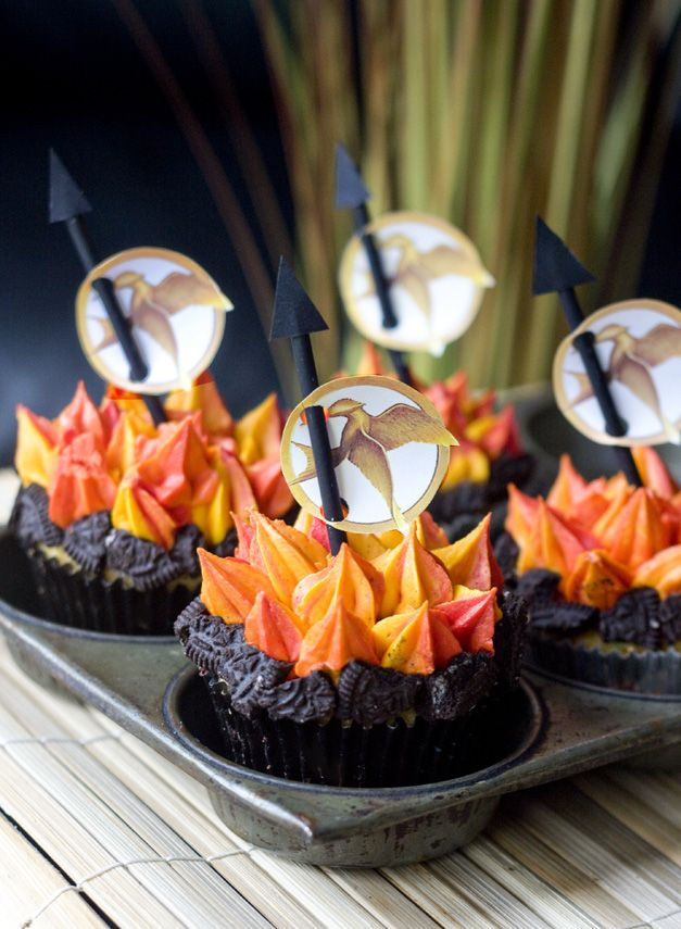 """Hunger Games"" party cupcakes"
