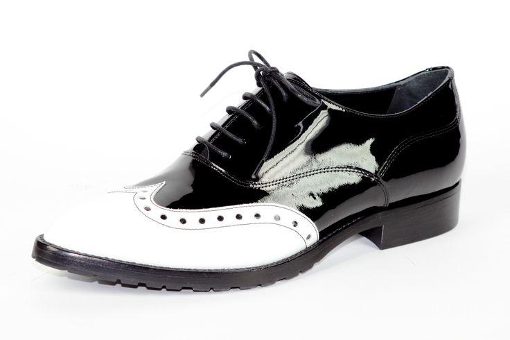 Francesina daniele tucci in vernice bicolore bianco/nero. @danieletucci   #madeinitaly #madeinmarche #italianshoes #scarpitaliane #italianfashion #blackandwhiteshoes