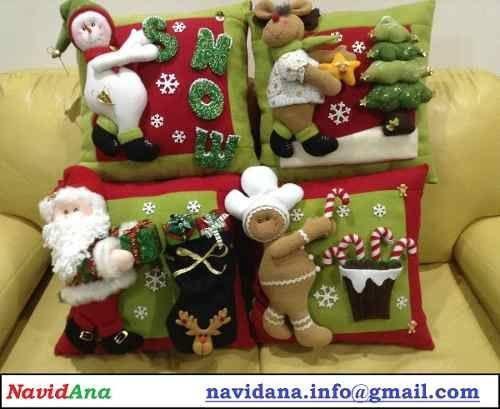 familia navideña en cojines