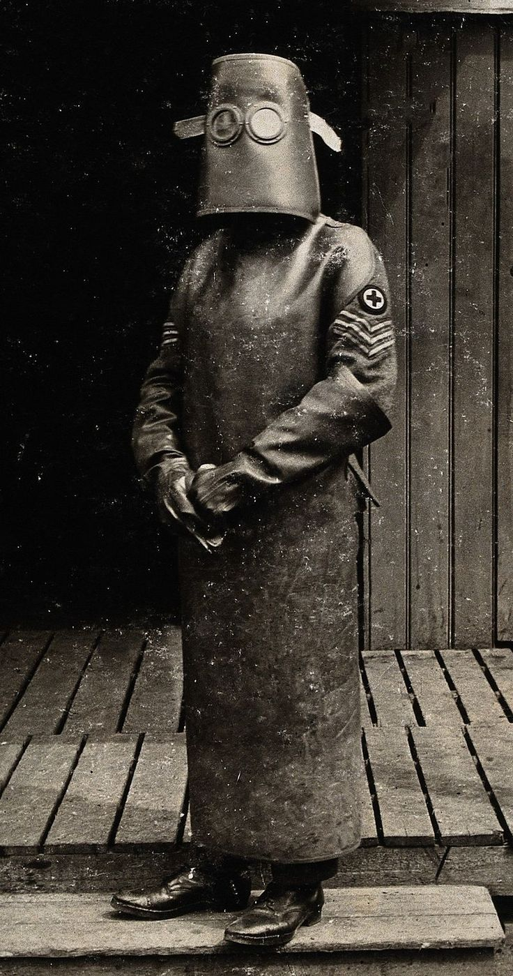 Hazmat suit c1918 - Hazmat suit - Wikipedia, the free encyclopedia