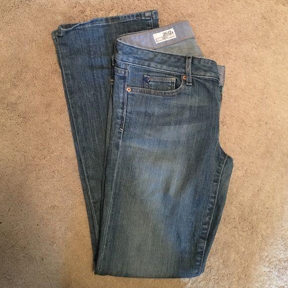 Gap 2 Ankle curvy jeans Gap 2A curvy jeans-excellent condition. Runs larger, more like a 4A GAP Jeans Boot Cut