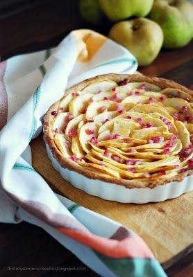 Moje Dietetyczne Fanaberie: Lekka, pełnoziarnista tarta z jabłkami i granatem