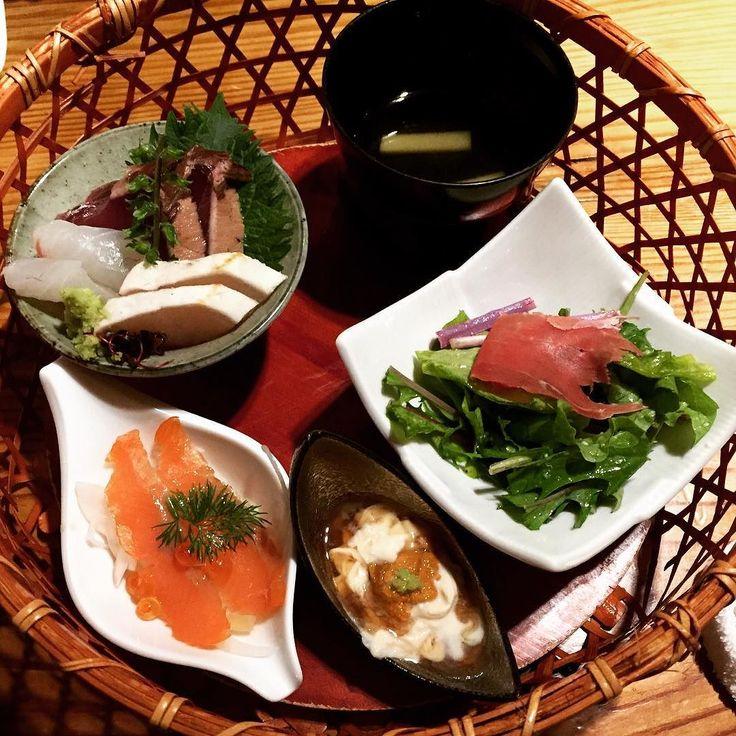 素敵なコース料理を頂きました 前菜5種盛り合わせ #appetizer #seaurchin #yuba #sashimi #salmon #soup #salad #yum #japanesefood #湯葉 #うに #刺身 #美味しい #日本食 #和食 by juneiriskay