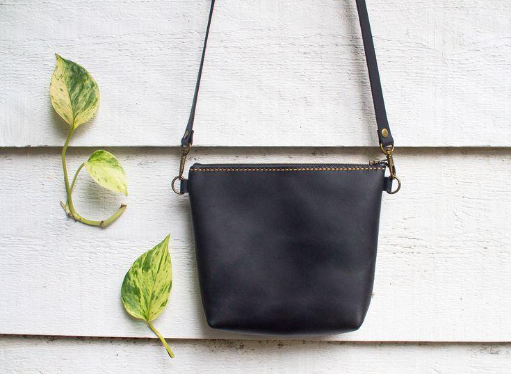 Leather Cross body Purse, Handmade Leather Messenger Bag, Black Leather Bag, Unisex Leather Bag, Cross body Bag, Travel Bag, Handmade Bag