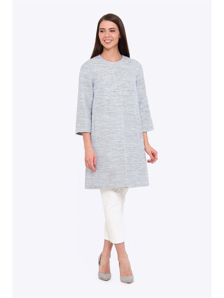 Пальто с рукавами   и округлым воротником. Ткань структурная приятная на ощупь. Есть подкладка. По бокам есть функциональные карманы. Стильное пальто пастельного оттенка прекрасный выбор на весенний сезон.
