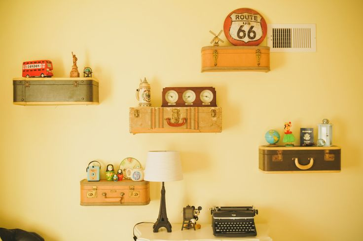 DIY Vintage Suitcase Shelves with Travel Pieces from Around the World - nursery perfection!: Suitca Shelves, Nurseries Vintage, Vintage Suitcases, Suitcases Shelves, Projects Nurseries, Baby Rooms, Travel Nurseries, Nurseries Ideas, World Travel