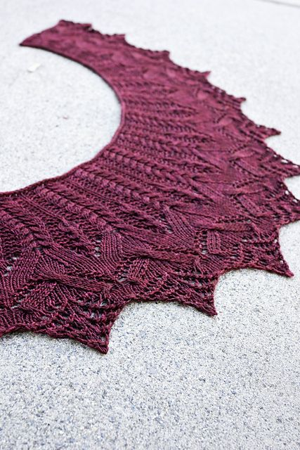 Twinkerbell's Let The Cables Sleep #knitting #shawl << Geada by Susanna IC, via Twist Collective