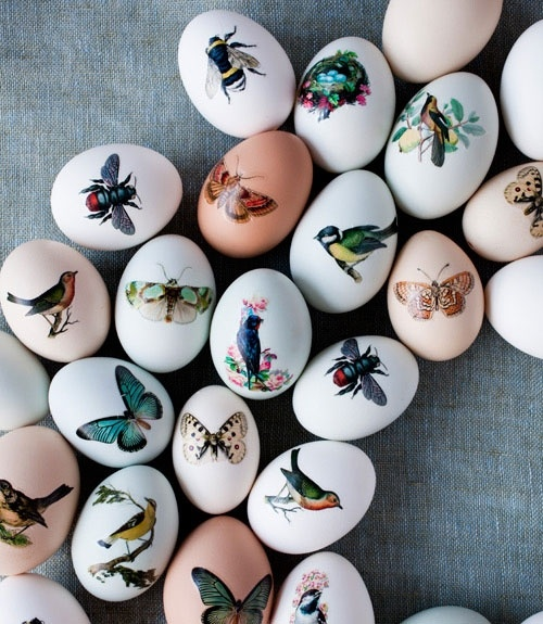 Great idea: Easter eggs adorned with temporary tattoos! #easter #crafts #eggs