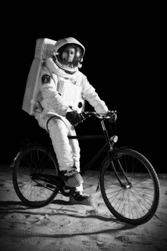 """I was bored ..... Earthlings I'm pedaling to the moon!""... Hmmmmm... °"