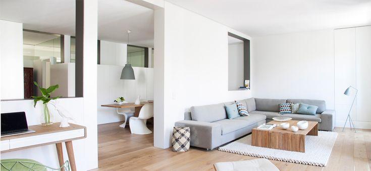 Apartamento Madrid. En este apartamento de un poco más de 210 metros cuadrados, el espacio fue completamente redistribuido por el equipo de Ábaton. El resultado: modernidad y luz natural en abundancia.