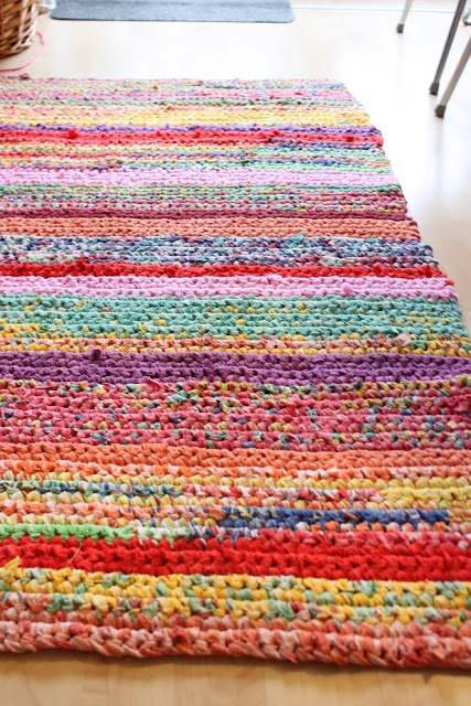 This rug is made out of old T-shirts - gorgeous!! I really want to make one of these. Is it crochet?
