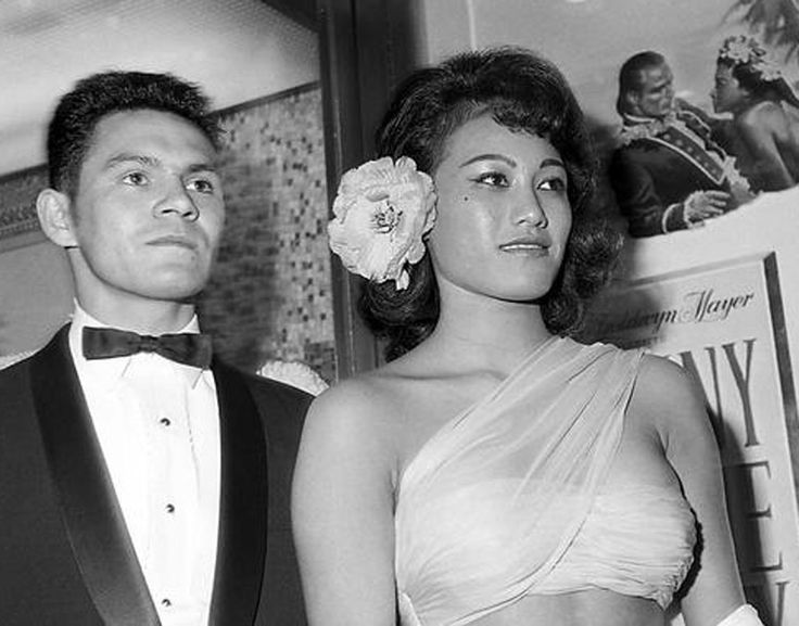At the premiere of Mutiny on the Bounty, 1962.Tarita and Fletcher Christian, descendant from the original Fletcher Christian.