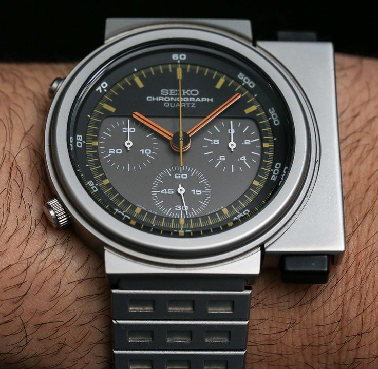 """Seiko Giugiaro 'Aliens Ripley' Watch Hands-On & New Limited Edition Reissue - by Ariel Adams - the watch from the 1986 """"Aliens"""" movie - on aBlogtoWatch.com """"Seiko just announced two limited edition 'Seiko X Giugiaro Design' watches known as the Seiko Spirit Smart SCED035 and the SCED037 that directly honor the classic 1983 Seiko Chronograph 7A28-7009 and this 7A28-7000 which I got to wear directly from Seiko's own museum collection..."""""""