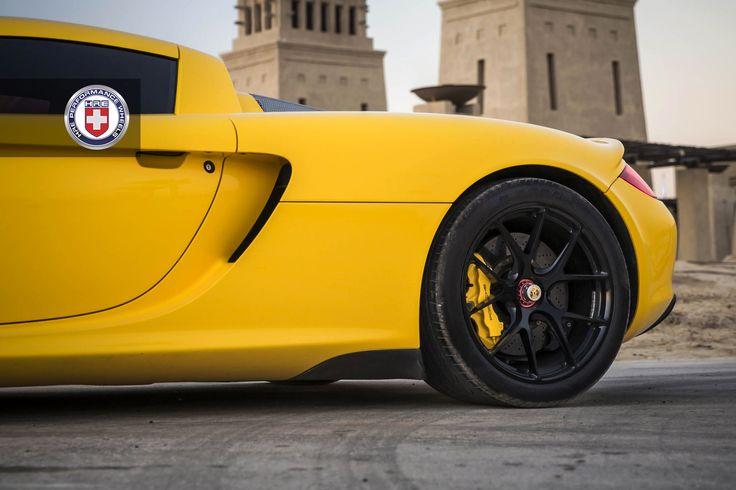 Porsche 993 pastel yellow dress