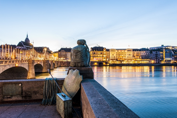 The hotel is located in the center of the old town on the banks of the Rhine river.