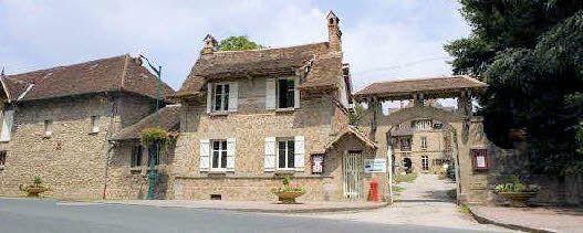 Chez Chateau Constant Avenue du 11 Novembre 1918 - 87250 BESSINES SUR GARTEMPE (35 km au nord de Limoges)