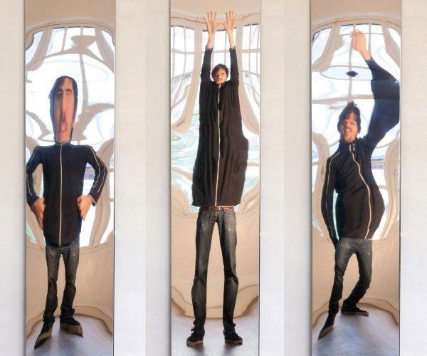 Con estos espejos que deforman tu figura sacar s fijo al for Espejo que se pega